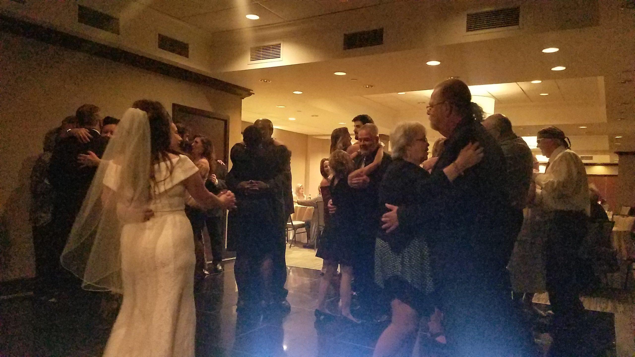 wedding dancing slow pic2